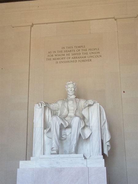 Anna Rust Au Pair in America Lincoln Memorial nz.jpg